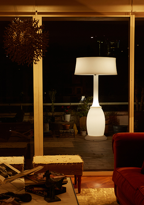 Blumen jumbo large lamp